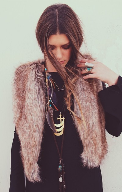 black, brunette, eyes, fashion, furr, girl, hair, makeup, necklace, ring, shirt