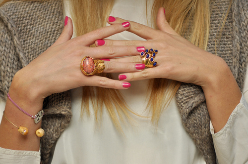 blonde, blondie, blonge, blue, bracelet, cute, fashion, girl, hot, love, nail, necklce, pink, pink nails, rings, sexy, summer, vintage