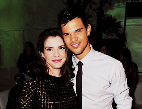 breaking dawn, premiere, stephenie meyer, taylor lautner, twilight