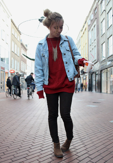 cable knit, fashion, fringe, girl, jacket, jean jacket, jeans, jumper, knit, model, necklace, outfit, red, skinnies, street, street fashion, street style, style