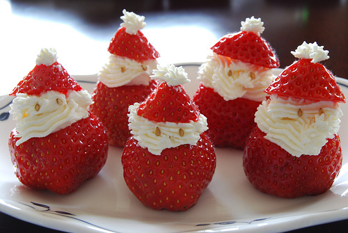 christmas, food, kawaii, red, santa, strawberry