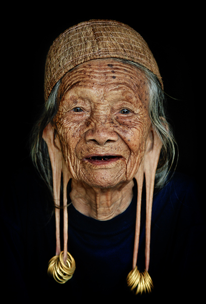 cool, crazy, fuck, grandma, lol, nice, old, omg, pretty, smile, stretched ears, tunnel
