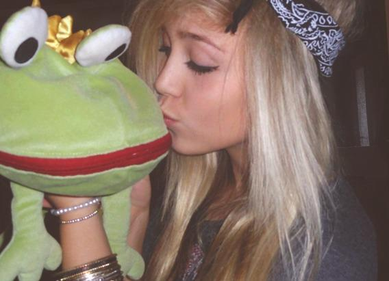 dream, frog, girl, hairs, kiss