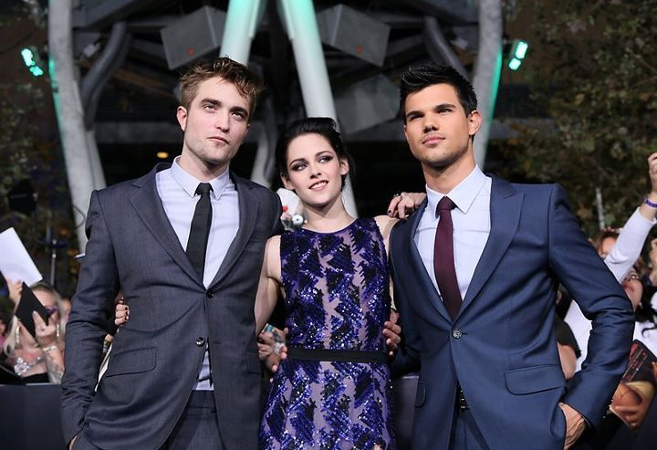 edward cullen, isabella swan, jacob black , kristen stewart, robert pattison