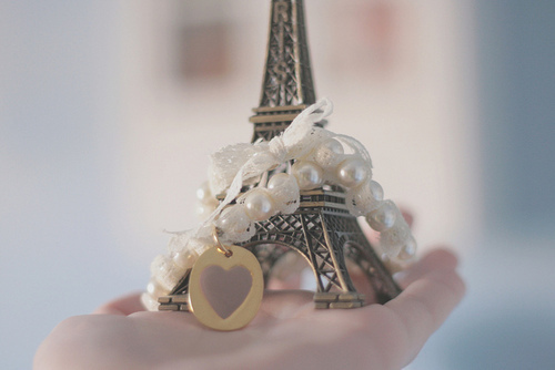 eifel tower, eiffel tower, heart, paris, pearls, photography, pretty, vintage