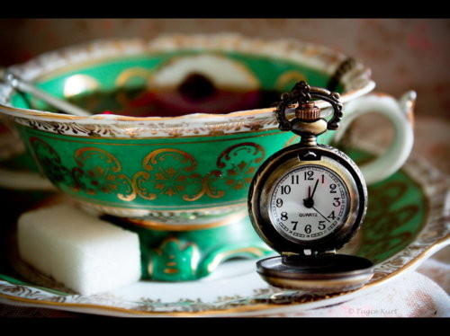 alice in wonderland, class, clock, cute, green