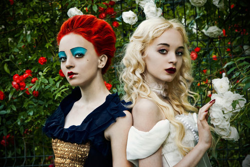 alice-in-wonderland-costumes-creative-ha