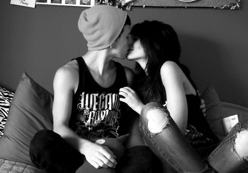 alternative, alternative couple, b&w, boy, couple, cute, girl, guy, kiss, love