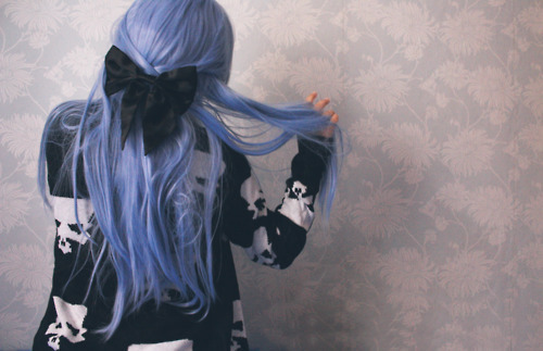 alternative, blue hair, bow, colored hair, girl, purple hair, skull, First Set on Favim.com