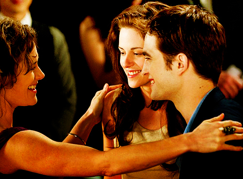 amanhecer, beautiful, bella, bella swan, boy, breaking dawn, casal, cute, edward cullen, girl, hair, kristen stewart, mother, movie, perfect, robert, smile, twilight