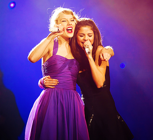 amazing, beautiful, bff, concert, dress, fashion, friends, girls, perfect, photography, pretty, selena, selena gomez, sing, taylor, taylor swift