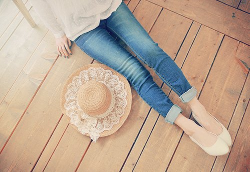 asian, cute, floor, girl, hat, indie, jeans, light, lovely, nails, shoes, skinny, style, summer, sun, thin, ulzzang, urban