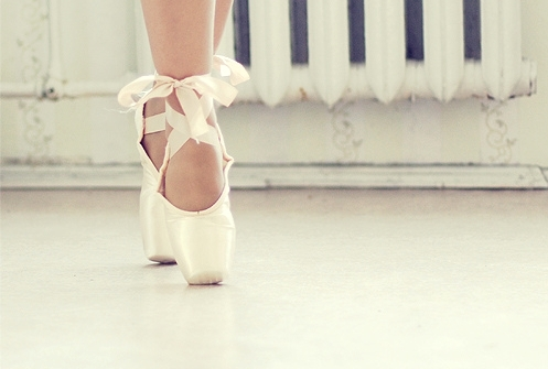 ballerina, ballet, ballet shoes, dance, en pointe
