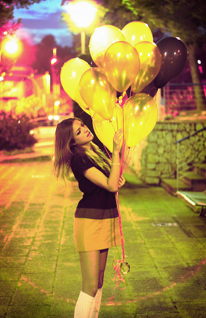 ballon, ballons, city, colors, cute, dress, fashion, hair, lights, long hair, model, night, photography, pink, pretty, retro, vintage, yellow