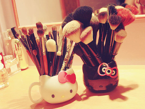 b&w, black, black & white, cute, hello kitty, make-up, mirrir, mirror, whit, white