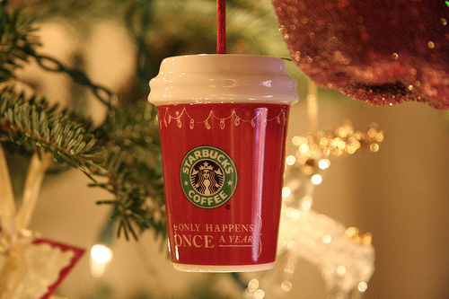 beautiful, cafe, cappuccino, christmas, cocoa, coffee, color, colorful, colors, cup, cute, december, hot chocolate, inspiration, inspire, inspiring, latte, latte machiato, light, lights, mocha, mug, photography, pretty, starbucks, starbucks coffee
