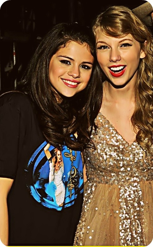 blonde, friends, girl, lips, red lips, selena gomez, taylor swift