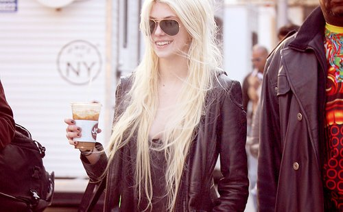 blonde, leather, leather jacket, ray ban, rock