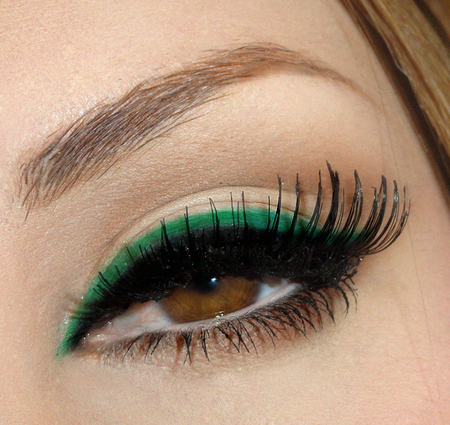 brown eyes, eye, eyes, fashion, green make up, make up, model, woman