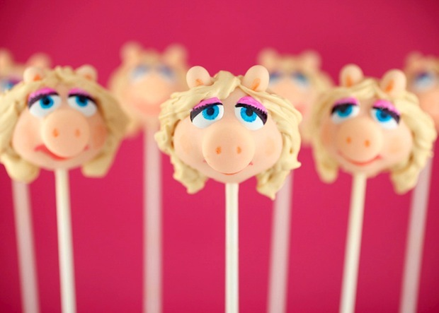 cake, cake pops, cute, desert, miss piggy