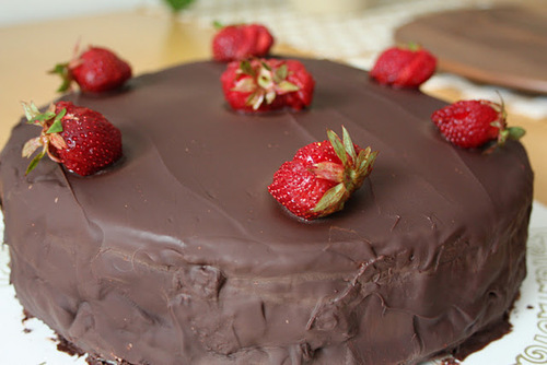 cake, chocolate, chocolate cake, delicious, food, madamelulu, strawberries, strawberry, yummy