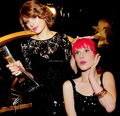 cute, fashion, friends, girl, hair, hayley williams, paramore, photo, pink, taylor swift