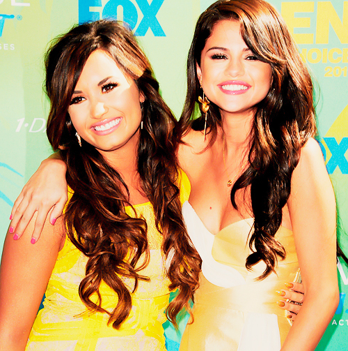 2012 image size 500 x 503 px more from selenamg tumblr source link