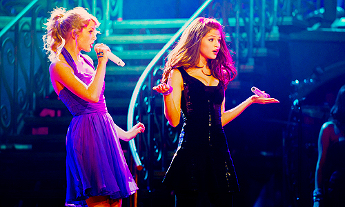 friends, pretty, selena gomez, show, taylor swift, who says
