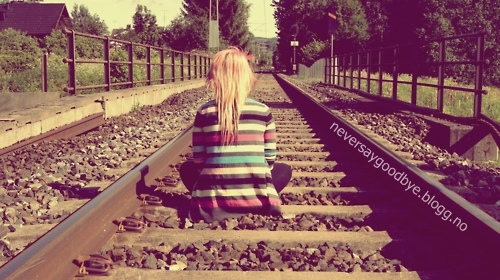 crappit, die, end, fashion, girl, hair, heargt, it, life, live, love, photo, photograpy, pink, pink hair, scene, text, track, train track, train tracks, vintage