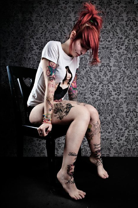 alternative, alternative girl, bmth, bring me the horizon, girl, plug, red hair, shirt, suicide season, tattoo, tattoos