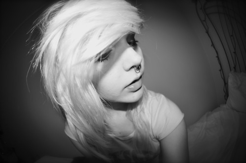 alternative, black and white, blonde, cute, girl