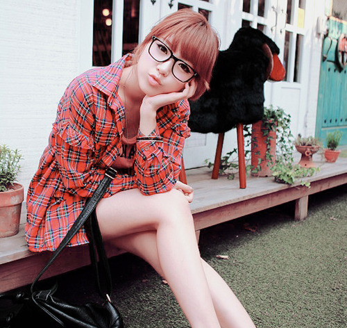 asian, asian girl, beautiful, beauty, blonde, cute, free, girl, glasses, hair, kawaii, kfashion, korean, korean fashion, korean girl, nail, pretty, seoul, ulzzang