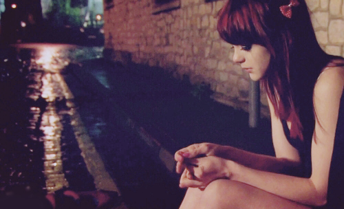 awesome, break up, cry, dark, emily fitch, girl, heart break, night, rain, skins, skins uk, street, upset
