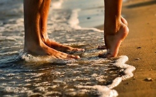 beach, feet, kissing, love, photography, sand, sea, water