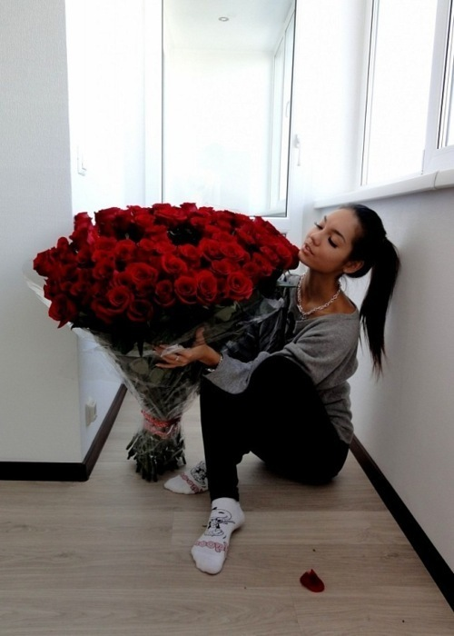 beautiful, big, comfy, cool, couple, cute, dream, fashion, flowers, girl, girly, life, love, millions, model, nice, omg, own, perfet, pretty, red, red rose, reses, romantic, rose, roses, stunning, sweet, tan, thousand roses