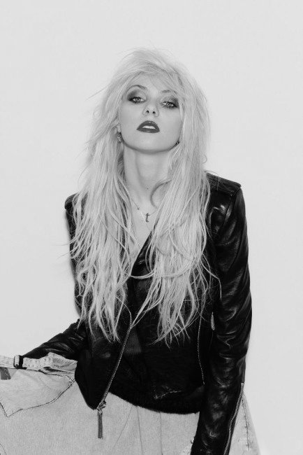 beautifull, black, black and white, eyes, girl, hair, pretty, taylor, taylor momsen, the pretty reckless, tpr