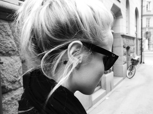 black and white, blackandwhite, fashion, girl, photography, rayban, sunglasses, tattoo