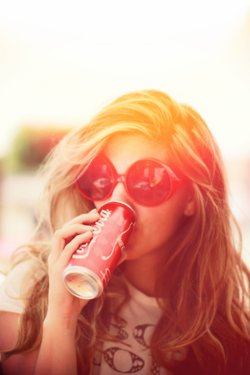 blond, brunette, coca cola, crazy, drink, fashion, girl, hair, mode, pretty, summer, sun, sunglasses, vintage