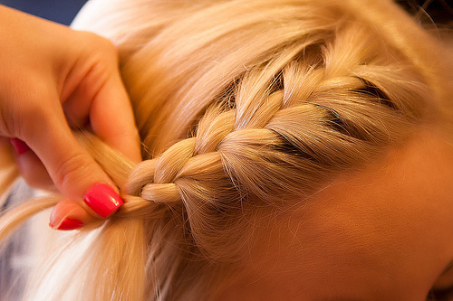 blonde, braid, cute, fashion, girl, hair, hairstyle, nail, peinados, perfet nails, photography, tan