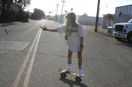 blonde, girl, roas, skate, skateboard