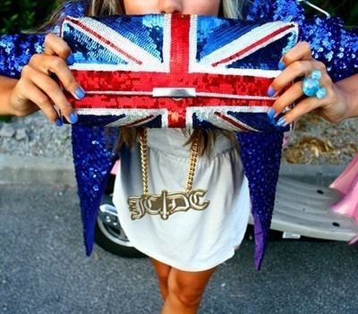 blue, cool, england, fag, fashion, girl, glitter, nails, pretty, purse, shiny, tanned