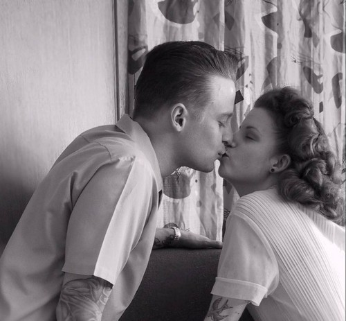 boy, boy and girl, contempt smiles tumblr, couple, cutest, fashion, girl, girl and boy, hair, kiss, lovely, rockabilly, tattoo, tattoos