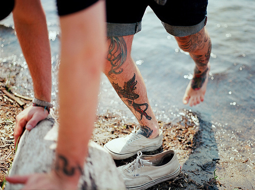 boy, contempt smiles tumblr, fashion, hot, sexy, shoes, tattoo, tattoos, vans, water