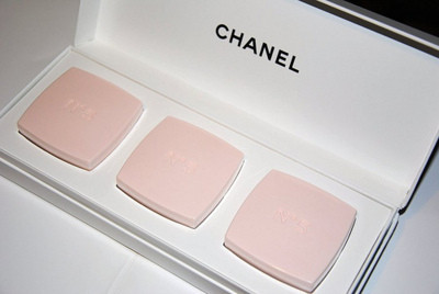 chanel, fashion, makeup, pastels