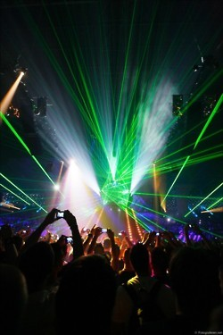concert, dance, dancing, drunk, dubstep, electronic, lights, music, party, photography, rave, techno