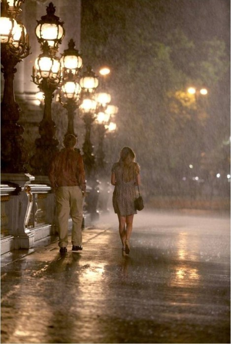 couple midnight in paris night owen wilson paris. Black Bedroom Furniture Sets. Home Design Ideas