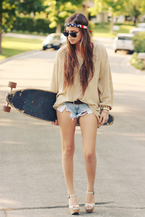 fashion, girl, hair, headband, heels, hipster, indie, jeans, legs, shoes, shorts, skate, sunnies, usa