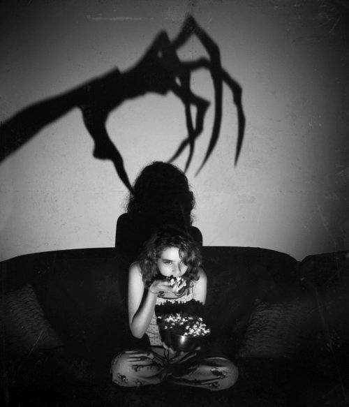 666, black and white, creep, creepy, devil, evil, fear, girl, gore, halloween, horror, mimsy, movie, popcorn, scare, scared, scary
