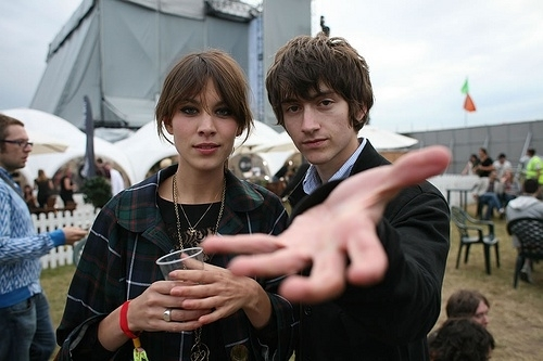 alex turner, alexa chung, boy, hands