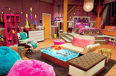 amazing, bed, bedroom, blue, boat, colorfu, cute, flowers, girly, gummy bears, i carly, i want, icarly, ice cream, omg, pink, purple, room, sadiku, water, wow
